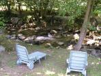 Au bord du gave ( petite riviére de montagne) lecture ou jeux d'eaux à vous de voir