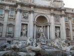 Fontana di Trevi - 6 fermate metro