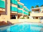 Complex Pool- Ample sun loungers available