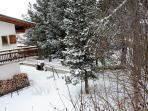 Jardin vu du balcon sous la neige
