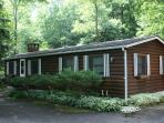 Creekside Log Cottage With Sunroom, Big Indian, NY