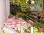 Lara (2): terrace