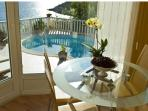 dinning room with fantastic view to the pool end sea