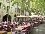 restaurant dining Place Aux Herbes, Uzes