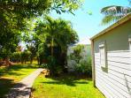 Nos deux bungalows au coeur du jardin tropical
