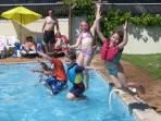 The average age of children at La Vendange is around 6 yrs. All kids love a heated pool !