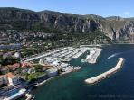 The New Port de Beaulieu - with a wide choice of restaurants and super yachts!