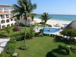 Oceanfront with pool 2 bedroom in Xaman Ha (Xh7206)