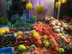 all sea food available around