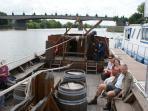 Possibilité de promenade en bateau traditionnel, nous contacter
