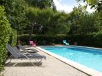 Quiet Hill:Villa-swimming pool-big wooden park