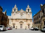 Mdina 30 minutes by bus