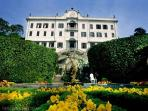 Your neighbours just 5min walk from the property... the famous Villa Carlotta.