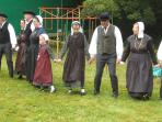 Fancy trying a bit of Breton dancing!!... lots of finger holding and small steps!