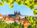 Prague castle - 13 min. (1km)