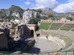 Greek Theatre in 5 min by foot from the house