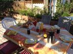 Petit-Dejeuner sur la terrasse