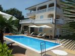 Villa Chiara - Apartment with Pool and beautifull seaview