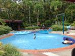 kids heated pool with jacuzzi and slide3