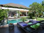 Cozy Tropical Villa 800 m Beach