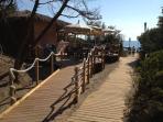 Marina di Bibbona. Ristoro all'ombra vicino alla spiaggia