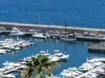 Hafen mit Ausflugsschiff M/S Katrin einem ehemahligen Krabbenkutter von der Nordsee