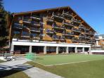 Building 'Le Lion' AV15 in Summer