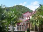 la maison rpincipale et le Mont Vert