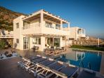 Villa Seaview with pool and sunterace