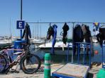 Le port de plaisance (12-15 mn à pied)