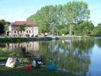 Canal de Bourgogne port de Maconge