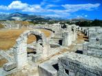 Salona (10 min by car)
