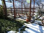 Il solarium naturale di Maison Petrosa con vista sui monti