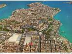 red point indicates how close to Valletta this apartment is