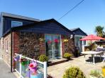 Cornwall, near Fowey - Poltor Cottage - Good sized patio with garden furniture