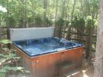 Hot tub...secluded