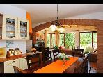 H(8+2): kitchen and dining room