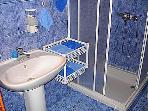 A1(2+1) Mali: bathroom with toilet