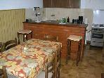H(5): kitchen and dining room