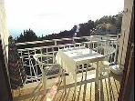 C(2): balcony