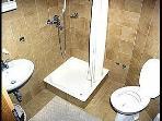 SA-B(2+1): bathroom with toilet