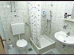 E(2+1): bathroom with toilet