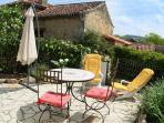 La Terrasse, pour vos repas au soleil, vos jeux ou vos lecture, farniente!!...