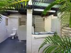 The Edge - Outdoor Bathroom