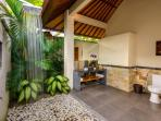 Tropical bathroom design - a feast for the senses!