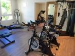 Domaine des Fonds Blancs / Villa Isabelle : the Gym facing the Lagoon