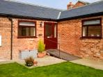 2 PINES FARM COTTAGES, family friendly, country holiday cottage, with a garden in Tadcaster, Ref 4457