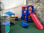 Espaço infantil no play do prédio