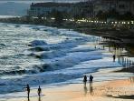 Atardecer en las playas delante de Urbanizacion Laguna Beach