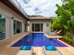 Private swimming pool with integral Jacuzzi